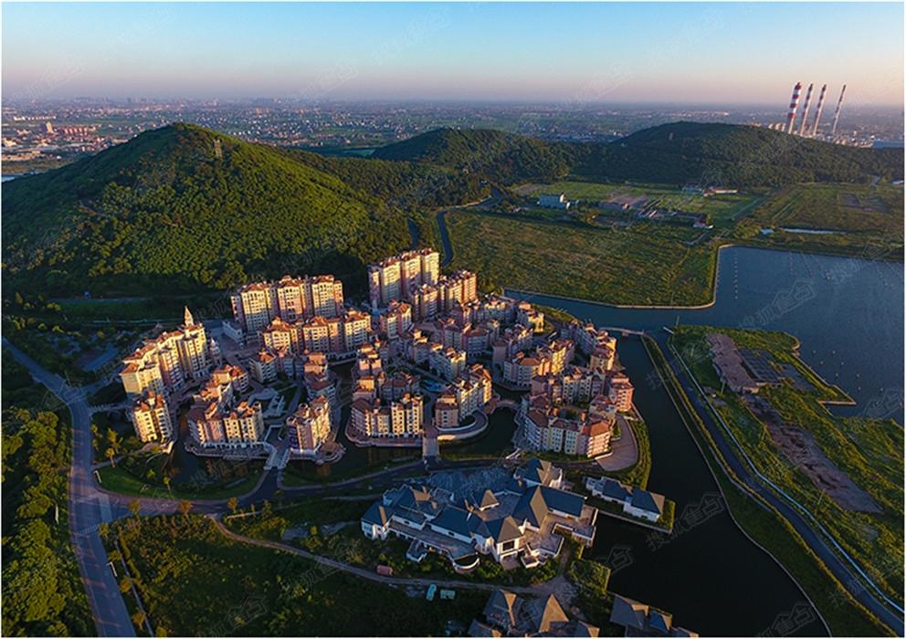 楼盘地址:平湖港区九龙山旅游度假区内查看地图 400 电话:400-032
