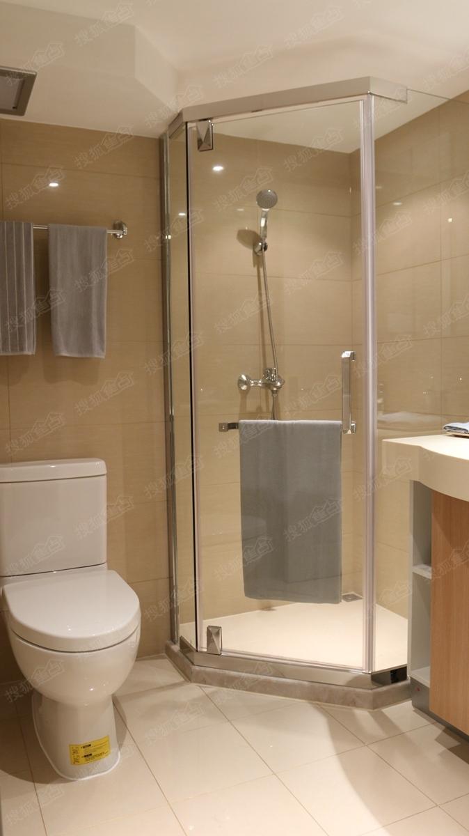 厕所 家居 设计 卫生间 卫生间装修 装修 674_1200 竖版 竖屏