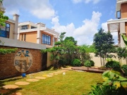盛世华庭:项目独栋别墅在售 22200元/㎡起 现房现证