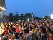 千人狂欢!奇幻儿童剧《九色鹿》震撼上演,阳光城半山湾红动全城