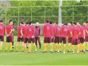 ?中国杯今日正式开战,万达茂为中国杯呐喊助威!