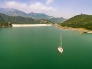 天鹅湖的水真静啊