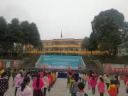 万诚国际 / 星期8小镇走进学校,用心温暖寒冬