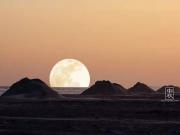 河水映明月 水发祝团圆