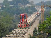 川藏铁路雅安至林芝段最快7月动工!预计工期10-12年