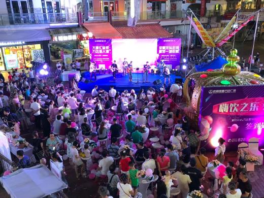 LED大屏盛大揭幕!知名大牌进驻金街!千人玩嗨在高新万达广场